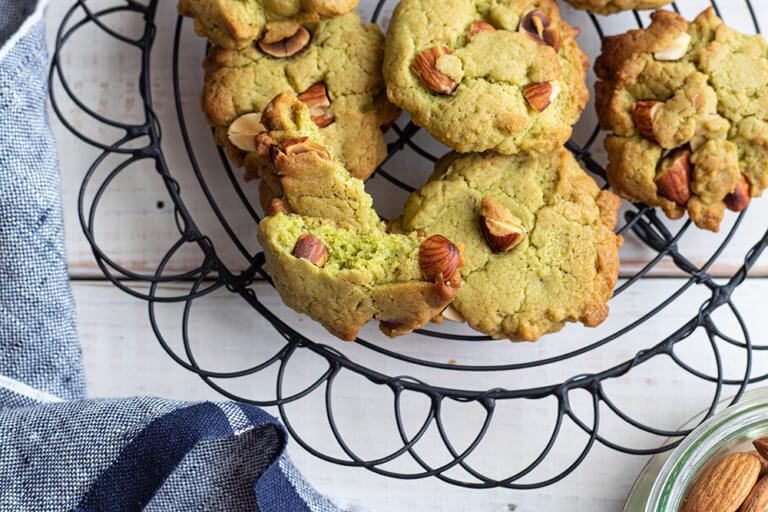 HMで作る青汁とアーモンドのドロップクッキー